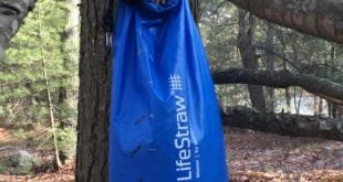 Clear ports on the side of the dirty bag indicate how much water is left