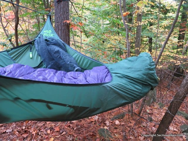 The foot end has a foot box to protect your top quilt and keep you from sliding out of the hammock feet first.