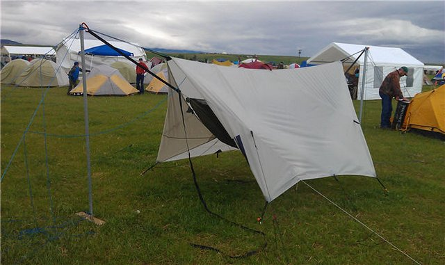 anchored-pole-stand-Blackbird-and-tarp