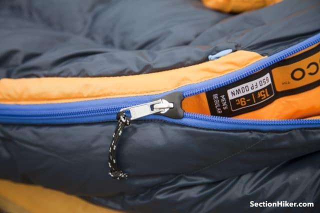 The Disco 15 has high-quality zipper featuring an anti-snag plow.